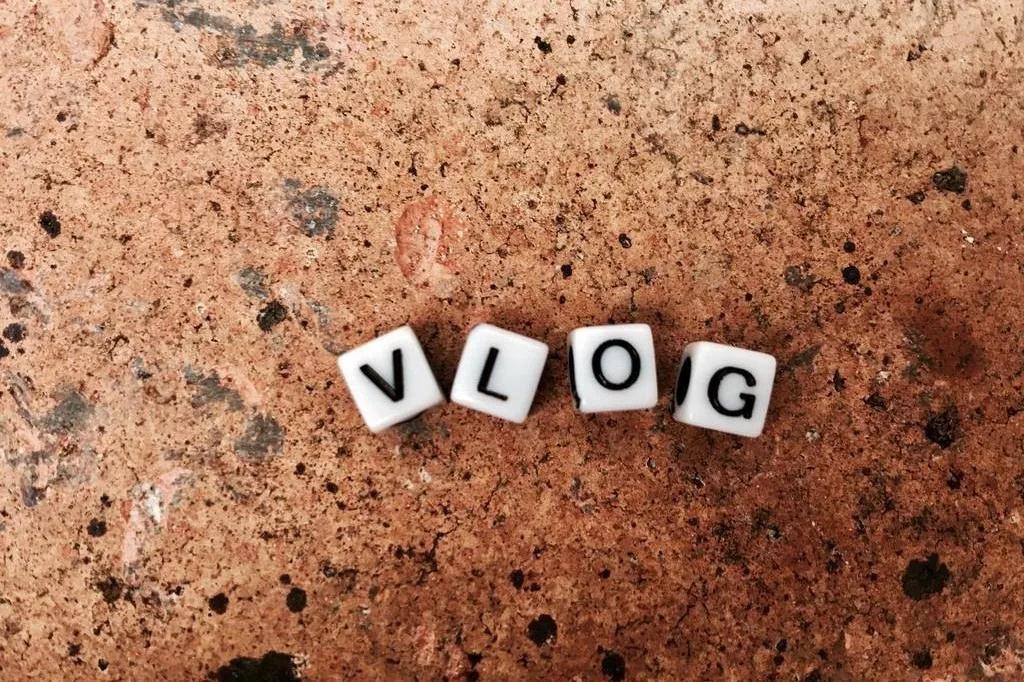 涨粉赚钱两不误?试试这几个类型的Vlog!